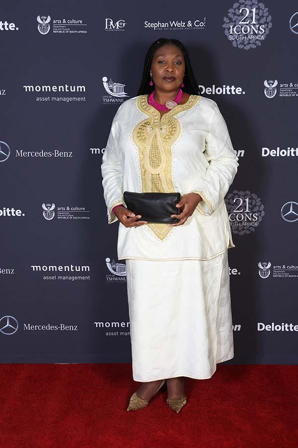 i) Yvonne Chaka Chaka_This is just the beginning of a great life for all South Africans, we can learn from one another, live together and make South Africa a better place for all.