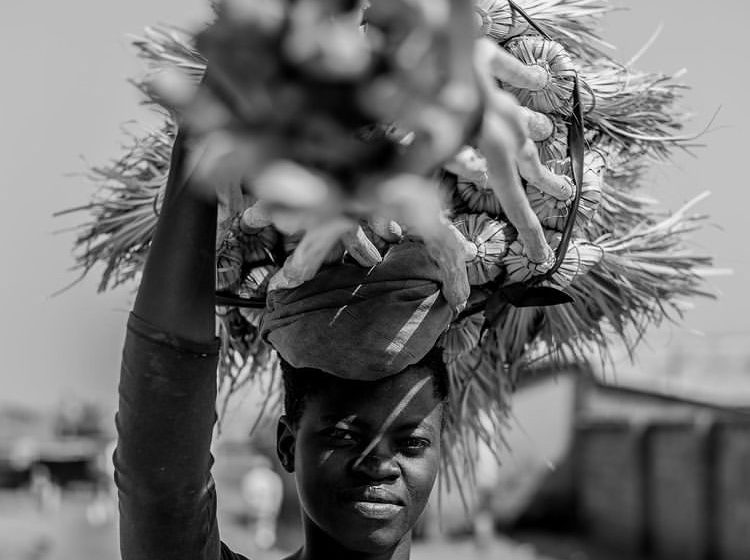 Tshepiso Seleke's photographs converse with his words (in his captions)